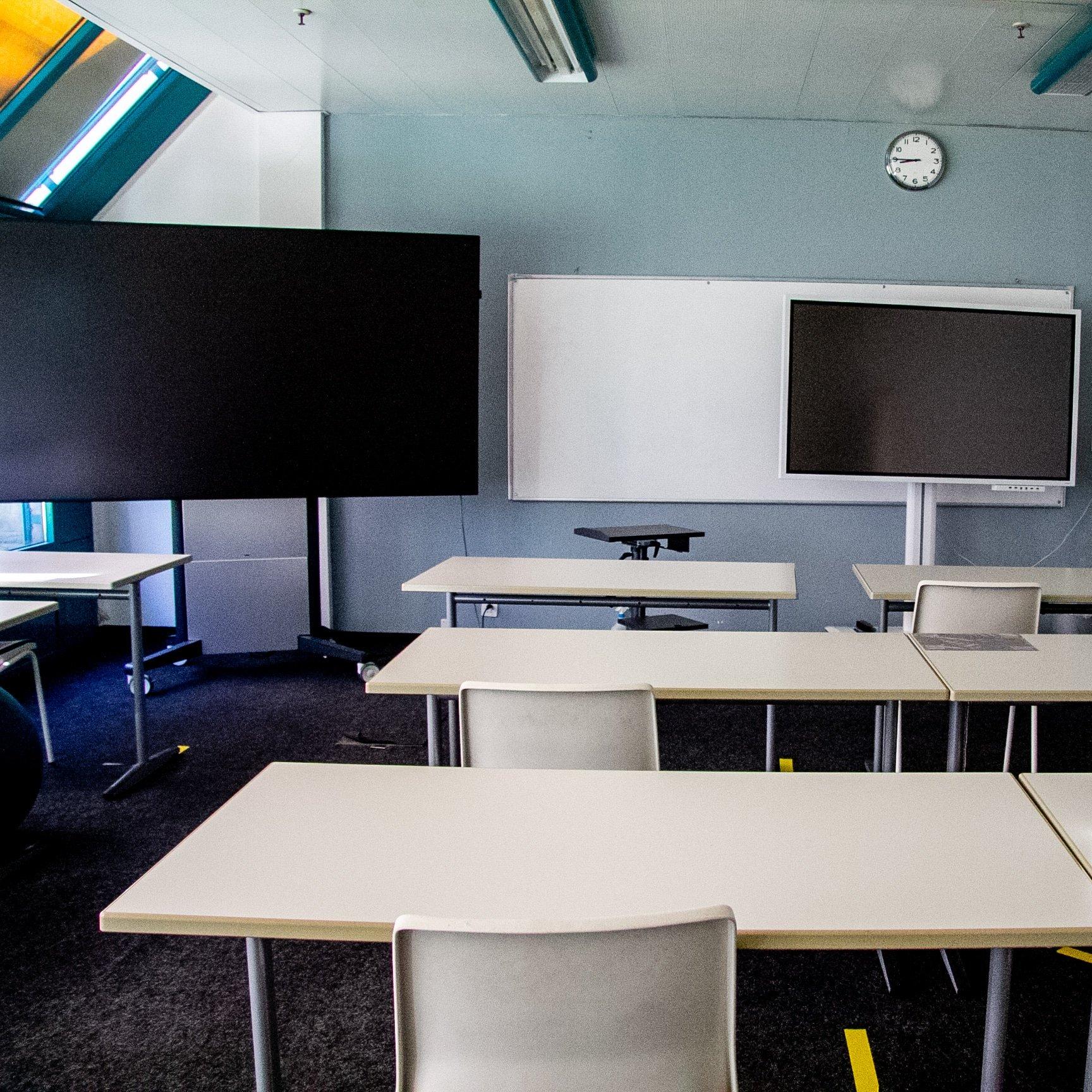 Salle de classe académie de langues et de commerce